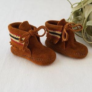 MINNETONKA Leather Baby Moccasins